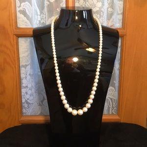 "28"" Cream Beaded Vintage Necklace"